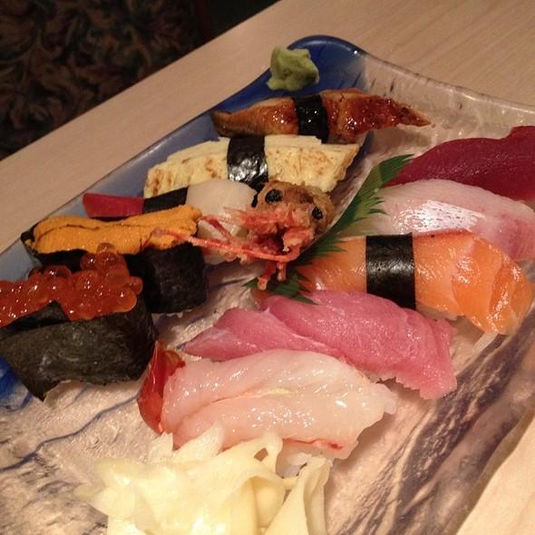 Sushi Deluxe @ Yanagi Sushi