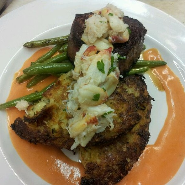 Filet And Crab With Potato Cake, Greend Beans And Louis Sauce @ Flying Rhino Cafe & Watering Hole