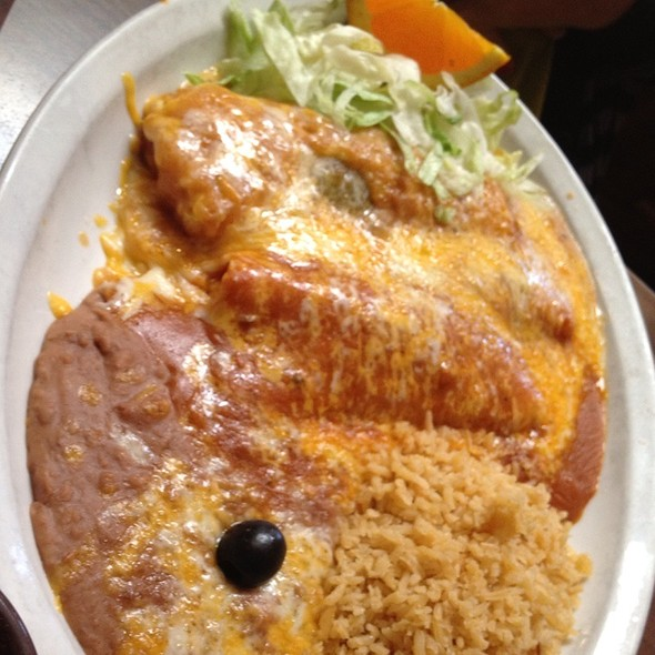 Enchilada And Chile Relleno @ Los Compadres