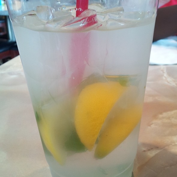 Water w/Lemon & Mint