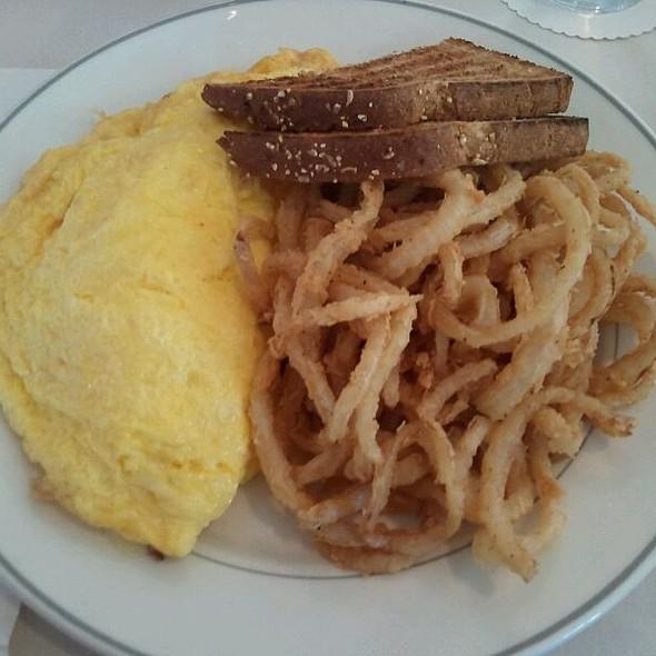 Mama's @ Delancey Street Restaurant