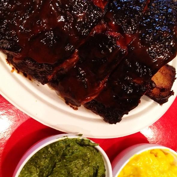 Jumbo Beef Ribs @ Daisy Mays BBQ USA