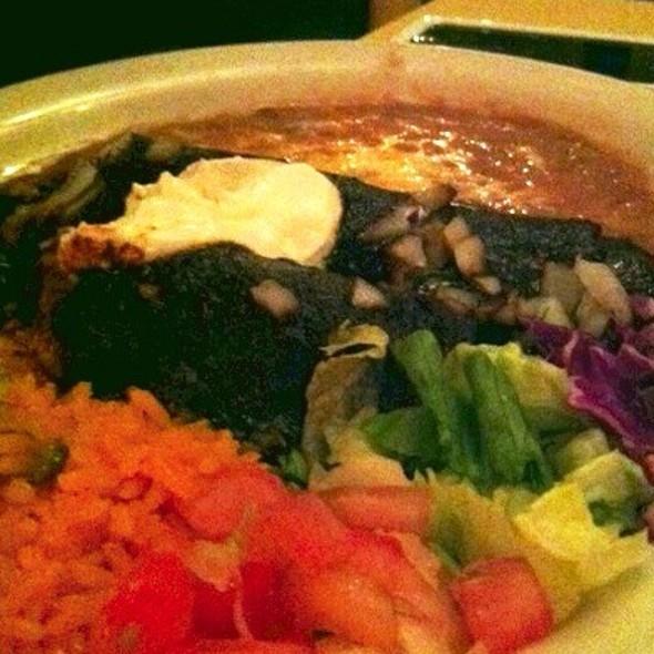 Enchiladas De Pollo Con Mole @ Mexico Lindo