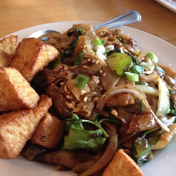 Drunken Noodles At Thai Patio Hollywood
