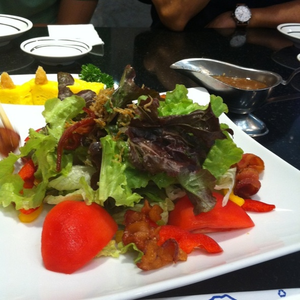 Salad Bacon @ Fuji