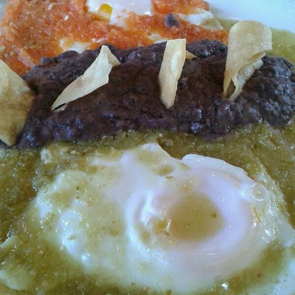 Huevos Divorciados @ La Taquizza