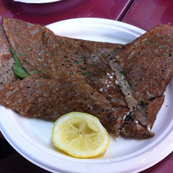 Smoked Salmon, Spinach, Goat Cheese And Lemon Crepe @ Crêperie du Marché