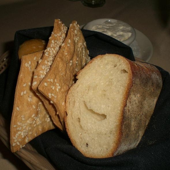 Bread @ Ruth's Chris Steak House (Oahu - Honolulu)