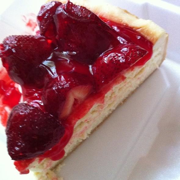 Strawberry Cheesecake @ Kenny & Ziggy's Deli