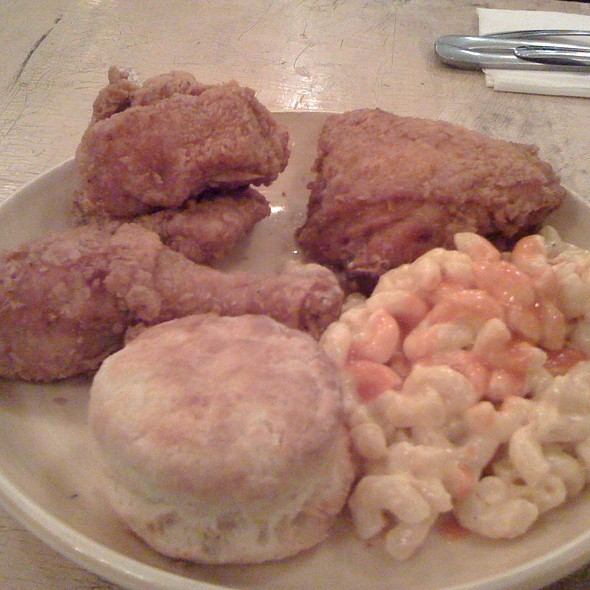 fried chicken @ Pies-N-Thighs