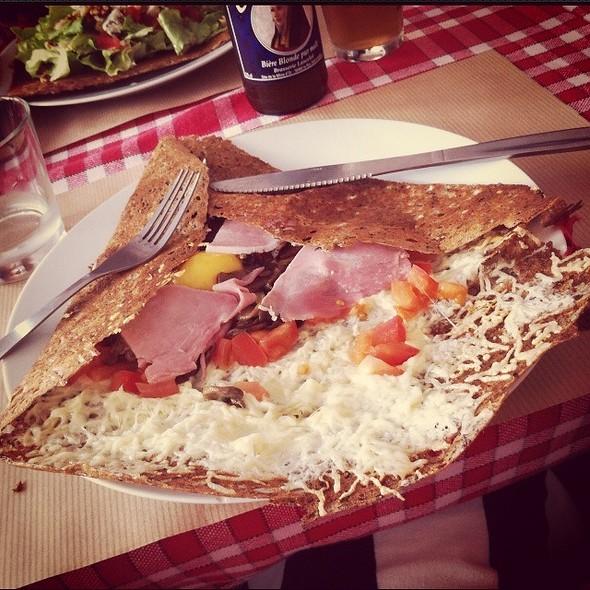 Egg Cheese Ham Tomato Galette @ Broceliandre