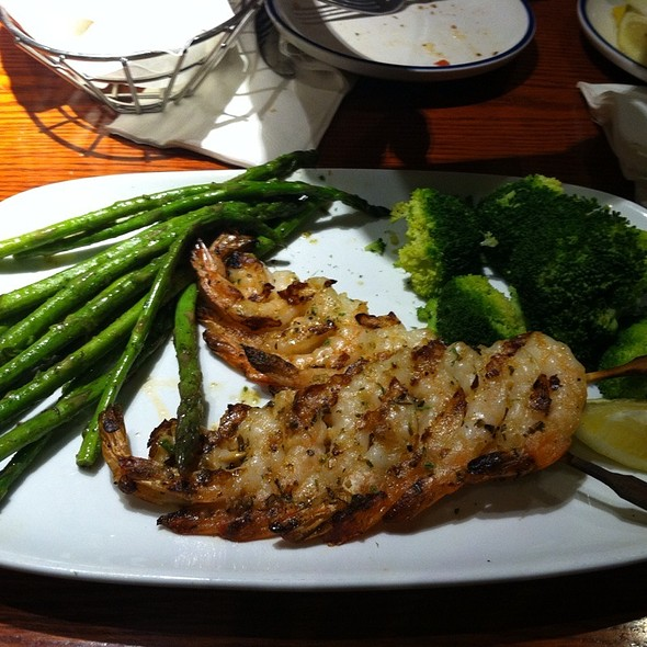 Grilled Garlic Shrimp @ Red Lobster
