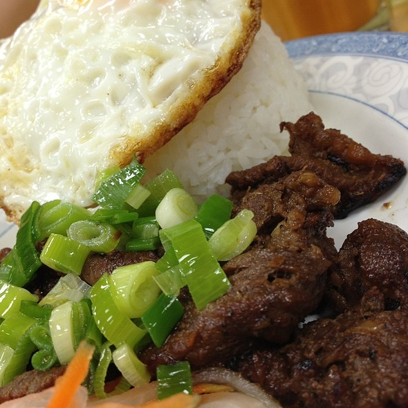 Grilled Beef, Fried Egg & Rice @ Pho King Way