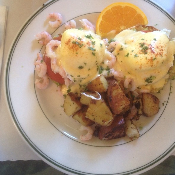 Seafood Benedict @ Mama's On Washington Square
