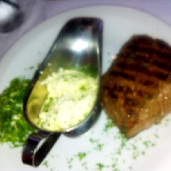 Steak With Butter Garlic