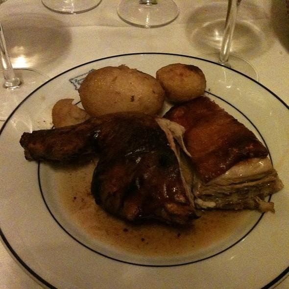 Cochinillo Asado @ Restaurante Botín