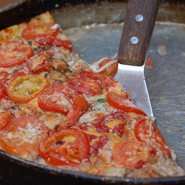 Pizza @ Lou Malnati's Pizzeria - South Loop