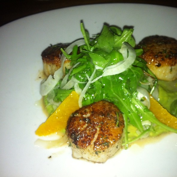 Seared Scallops @ Brasserie Beck - French Belgian cuisine
