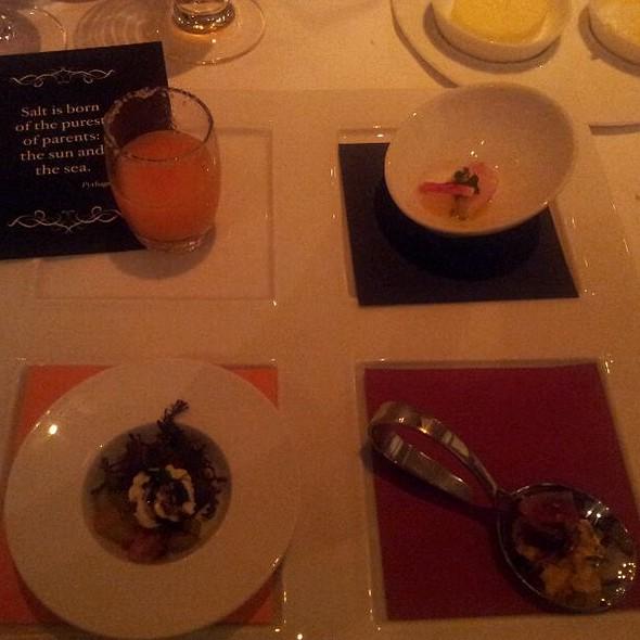 Quatro Amuse @ Restaurant R'evolution