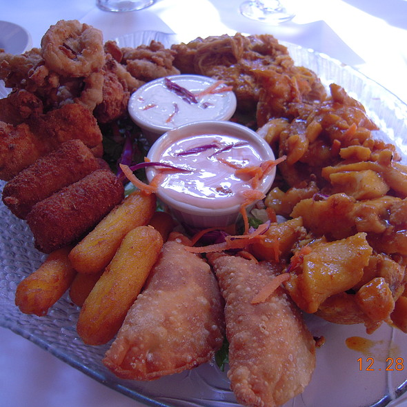 Special Sampler, grouper fritters, turnovers, fried calamari and stuffed fried plantains - Barrachina, San Juan, PR