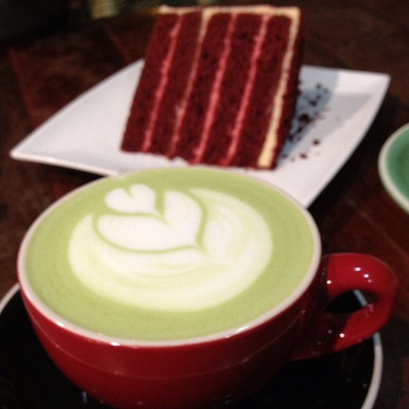 Green Tea Latte & Red Velvet Cake