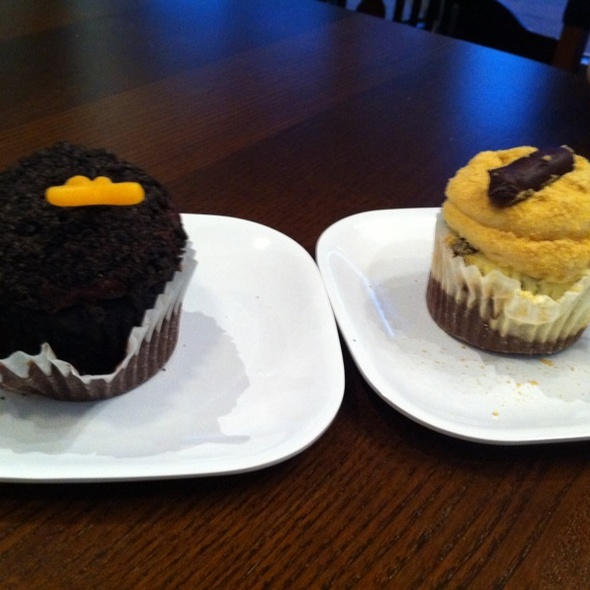 Death By Chocolate/Cat Litter Cupcake @ Phoebe's Cupcakes Chicago