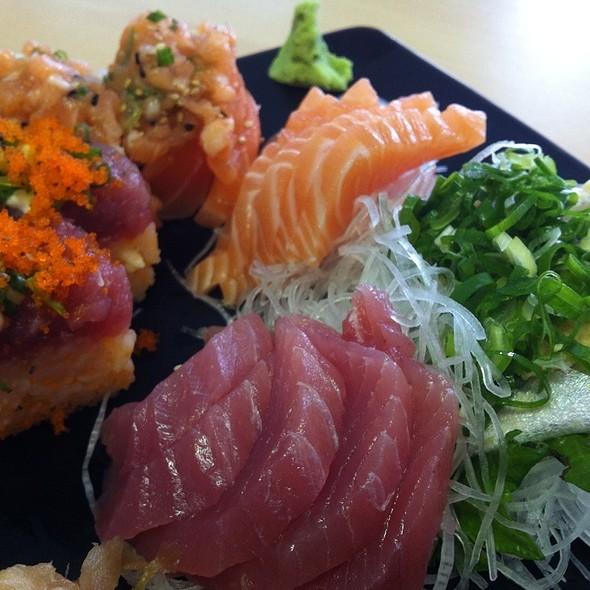 Sushi and Sashimi @ Peixaria Uo Katsu Alimentos Ltda
