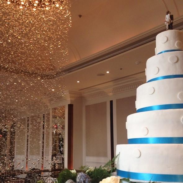 Wedding Cake @ Lebua Hotel at State Tower | โรงแรมเลอบัว แอท สเตททาวเวอร์