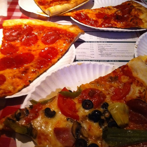Pizza @ Paisanos