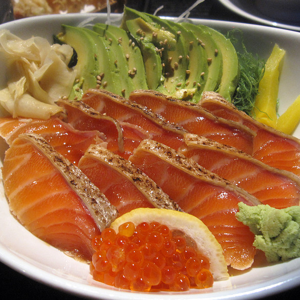 Salmon Avocado Donburi @ Sushi Yasaka