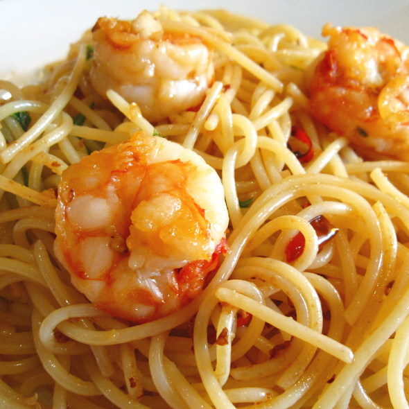 Spaghetti with prawns, garlic and chilli @ Torlente Restaurant