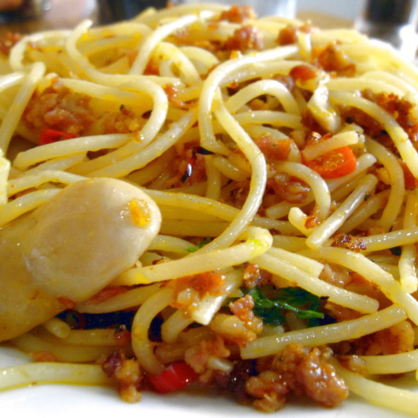 Spaghetti with Italian sausage, mushrooms and chilli @ Torlente Restaurant
