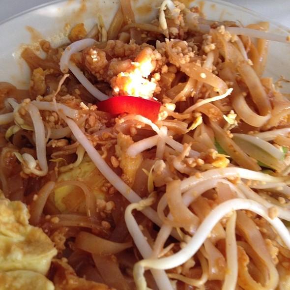 Pad Thai Cafe Sushi Menu