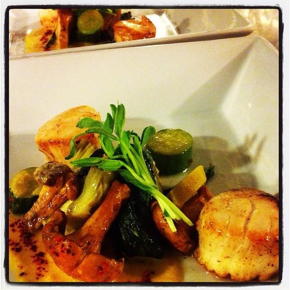 Les Saint Jacques @ Rue Saint Jacques Restaurant