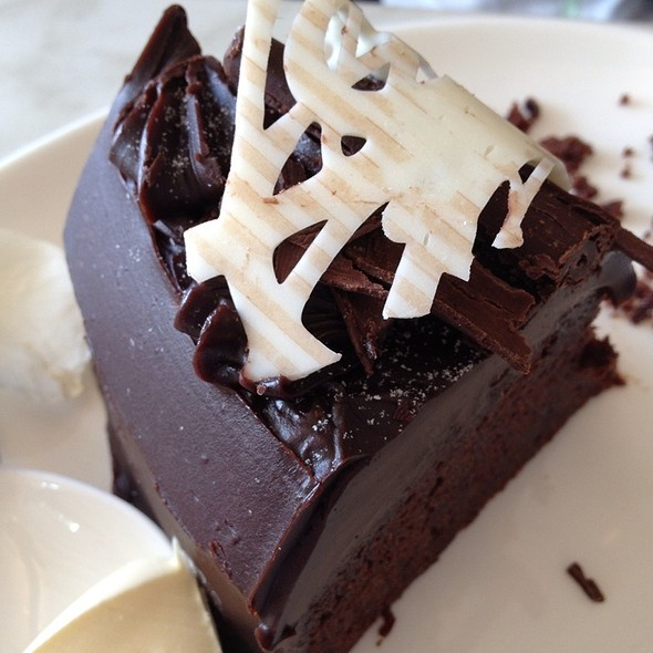 Chocolate Mud Cake @ Alfresco Emporium