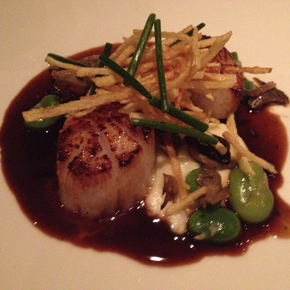 Pan Seared Scallops And Sauteed Foie Gras