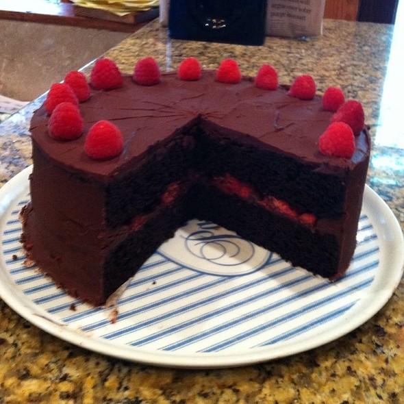 Stout & Awake Raspberry Cake @ The Fat Tuscan Cafe