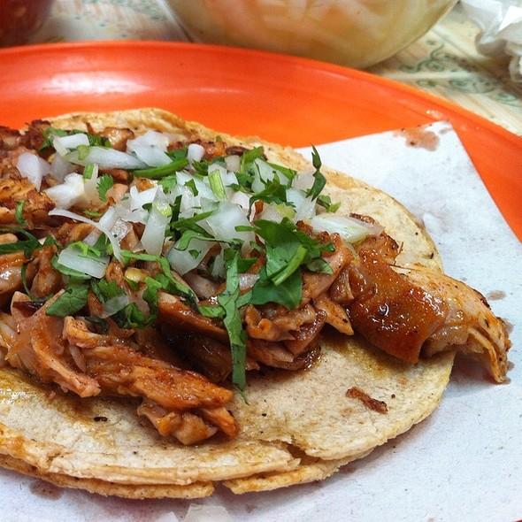 Taco De Conejo A La Barbacoa @ Mercado Portales
