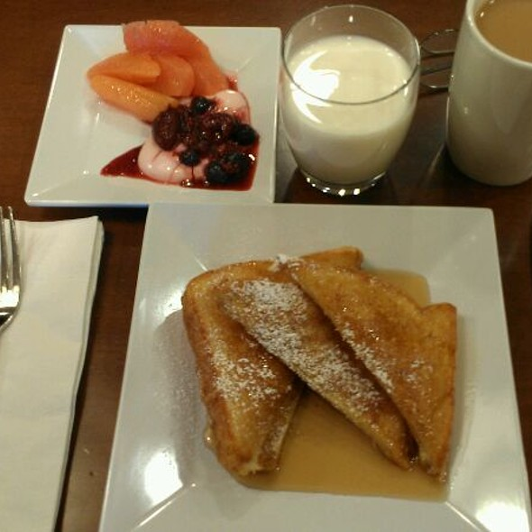 French Toast @ Hyatt Place-Denver Airport