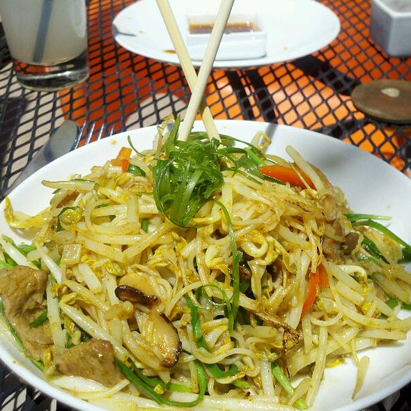 Singapore Noodles - Street Kitchen Asian Bistro, Englewood, CO