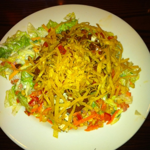Chicken Haystack Salad @ Hard Rock Cafe