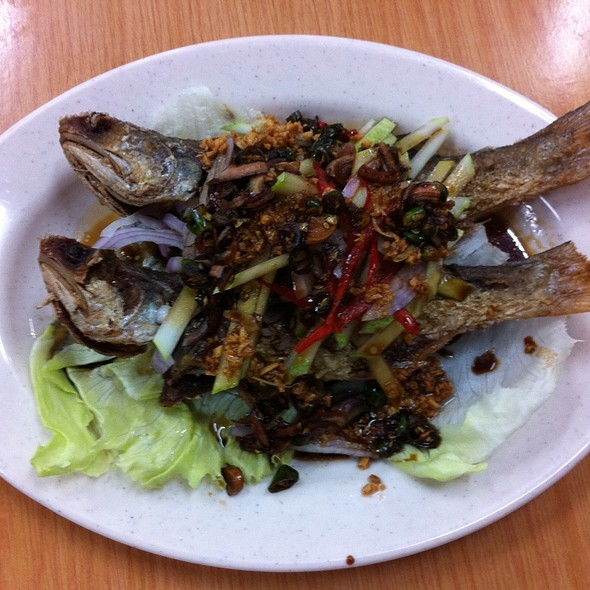 fried fish @ Fish Village Seafood Sdn Bhd