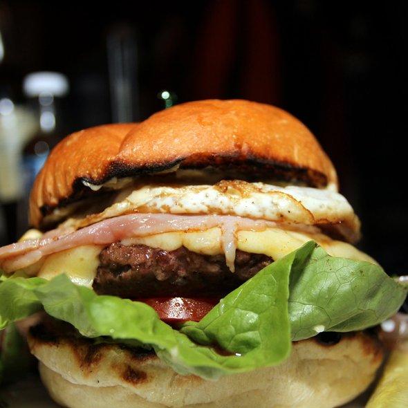 Bacon Cheeseburger with Fried Egg @ de Vere's Irish Pub