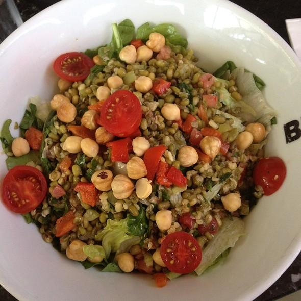 Mas Fasulyesi Salatasi @ Big Chefs Etiler