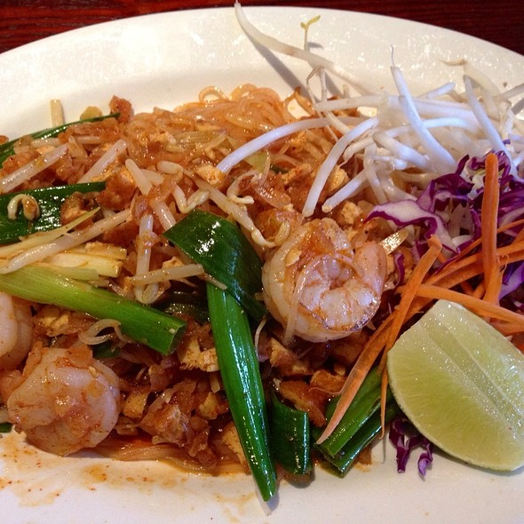 shrimp pad thai @ Thai Orchid