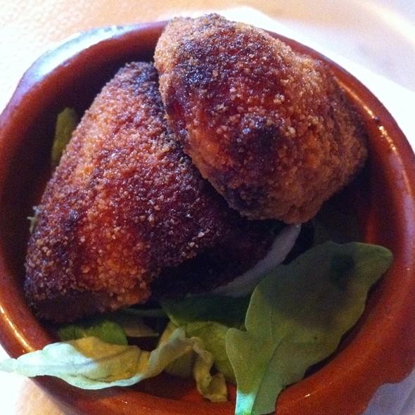 Croquetas Bell Pepper & Cheese @ Bodega-Bodega Tapasbar Laren B.V.