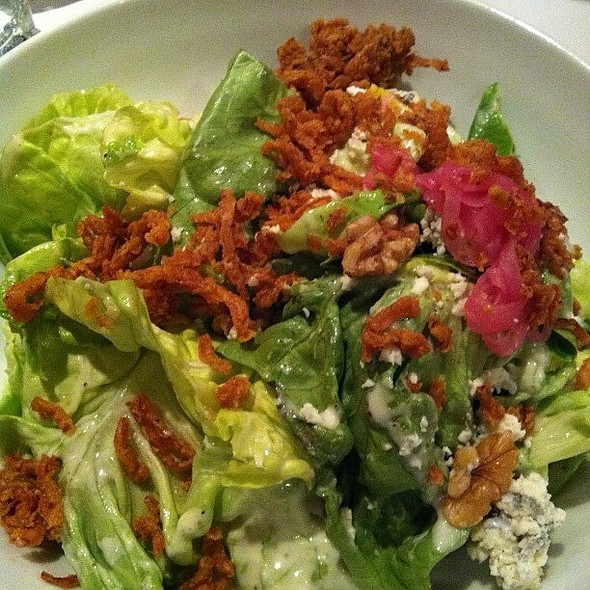 Bibb And Blue Salad @ Romano's Macaroni Grill