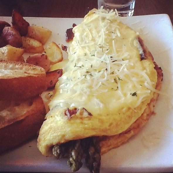 Asparagus Omelette @ Sweet Maple