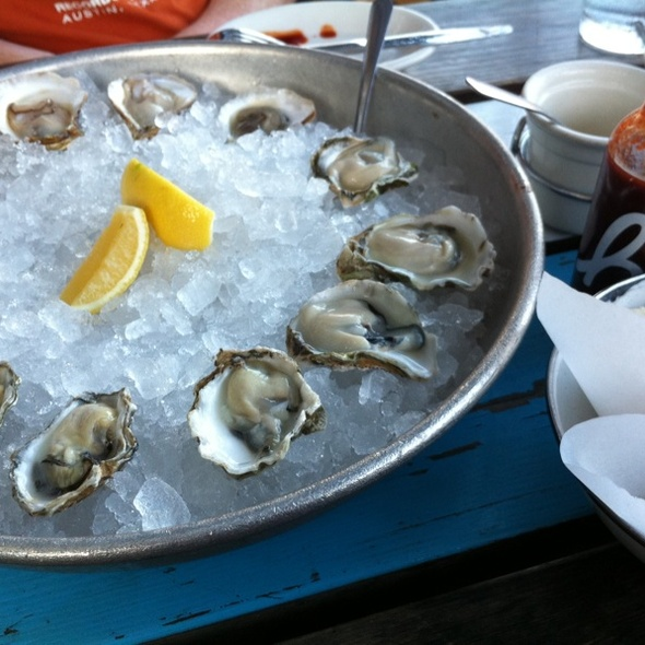 Oysters @ Perla's