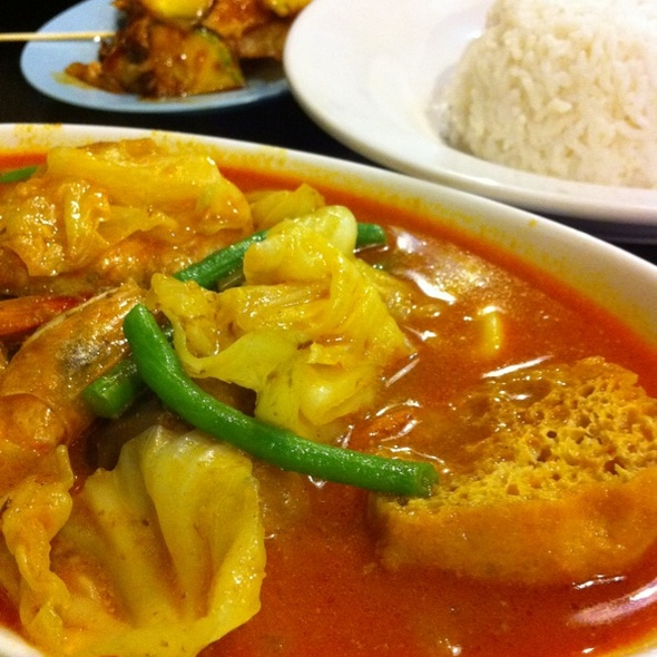 Seafood Curry With Rice & Rojak @ Rabbit Cafe